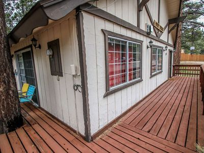Photo for Beary Sweet Retreat Cozy 3BR Single Story Chalet / Mins To Activities