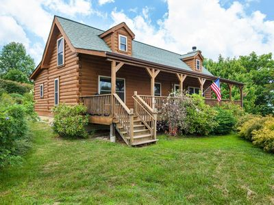 Photo for Apple Blossom Cabin, breathtaking views, 3 bed, 2 1/2 bath, foosball, internet, grill