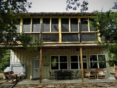 Great cabin w/screened in deck & a studio/guest house