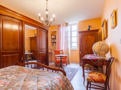 Photo for Room ORANGE, Bed and Breakfast Saint Roch, indoor heated pool