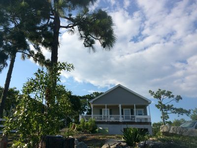 Photo for Charming Getaway 3 miles to Beach & State Park, Close to Restaurants & Shops