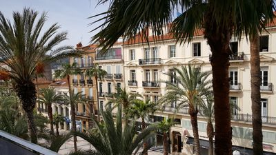 Photo for Charming apartment 38 m2 with balcony in the city center of Hyères