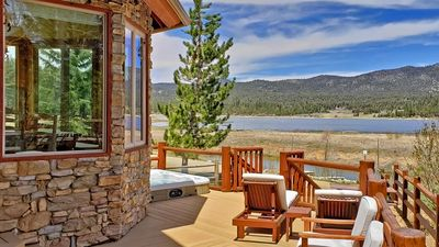 High-end lakefront, significant neighborhood, hot tub, game tables, great views!