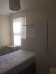 Photo for Close to 3 botanic gardens and seaside, 8 min to city centre by car
