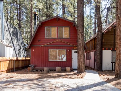 Photo for NEW LISTING! Cozy cabin w/free WiFi & shaded deck, near lake & skiing