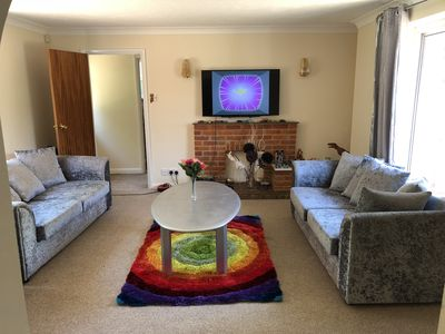 Photo for Beautiful / Spacious Independent Semi Detached Bunglow (High Wycombe)