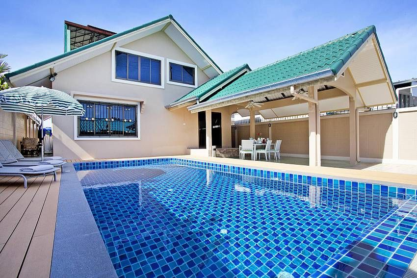 Holiday House Pattaya For 1 4 Persons With 2 Bedrooms Holiday