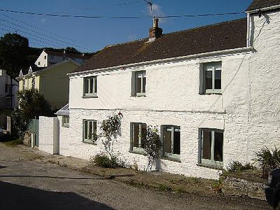 Traditional Cornish Cottage - Centre Of Portscatho