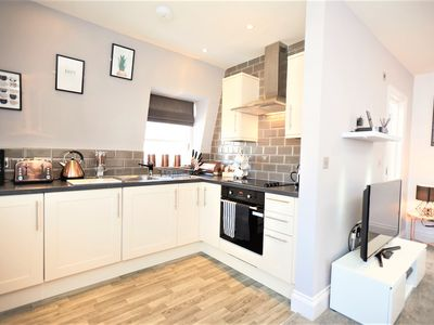 Photo for Serviced Apartment in East Molesey The Kings Rest  Catherine