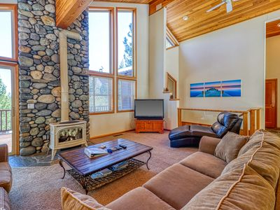 Photo for NEW LISTING! Family-friendly cabin w/shared pool, hot tub, tennis-ski nearby