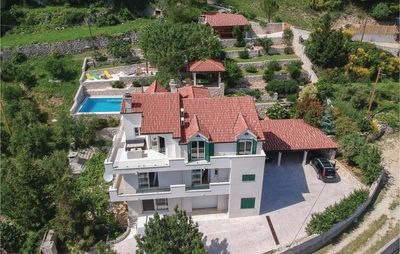 Photo for 4 bedroom accommodation in Klis