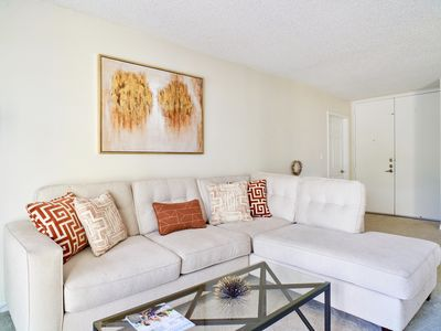 Photo for ★ Quintessential Marina Apartment Near Venice Beach, Free Parking ★