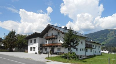 Photo for Holiday house with large space ca400m² for 10--22 persons with outor area