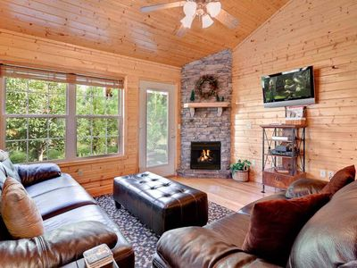 WINTER SPECIAL! 10% 2-nts or 20% off 3-nts or more thru 3/19, 2-K-Suites, Close to Parkway, Hot Tub