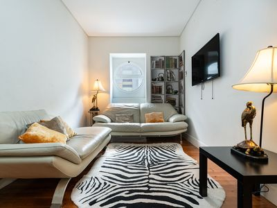 Photo for Newly Renovated Elegant Large Apartment for 10