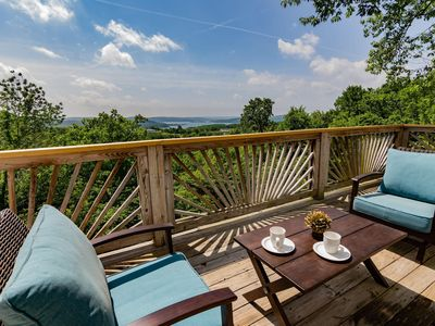 Photo for Lake View House, Large back deck (Sleeps 14)