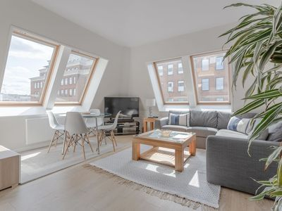 Photo for Modern 2 Bedroom Home With a View