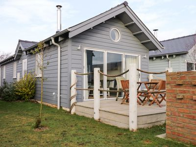 Photo for SEA-RENITY, pet friendly, with pool in Filey, Ref 1000562