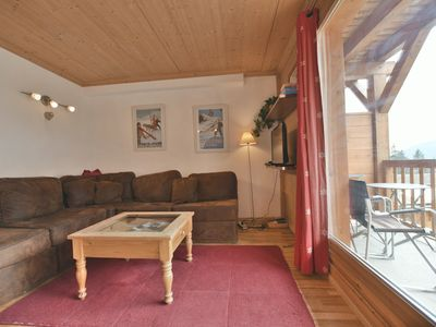 Photo for Lovely 2 bed apt for 4 with wifi close to the slopes!