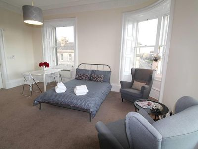 Photo for Stunning Braemore Studio Apartment - West End