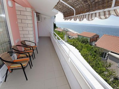 Photo for Two bedroom apartment with terrace and sea view Podgora, Makarska (A-2714-c)