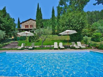 Photo for Villa with private swimming pool, 6 km from Assisi, in a hilly area