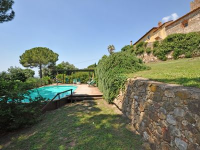 Photo for Lovely apartment for 4 people with pool, WIFI, TV, pets allowed, panoramic view and parking