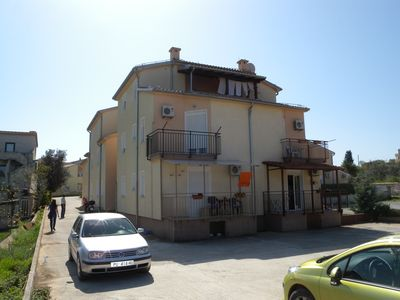 Photo for 1BR Apartment Vacation Rental in Stinjan, Istrien