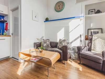 Photo for Bethnal Studio 1  apartment in Tower Hamlets with WiFi & shared terrace.