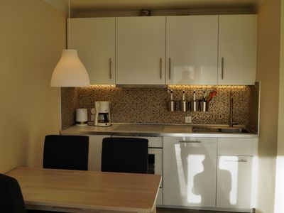 Photo for Apartment for 4 pers. WLAN, LED TV, quiet end position, terrace with gas grill