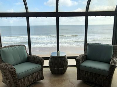 Relax in the viewing room-a fav of all our guests! So close to the ocean!