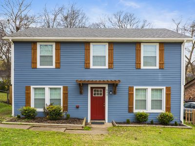 Photo for *Spacious 4 BR Home in Music City*