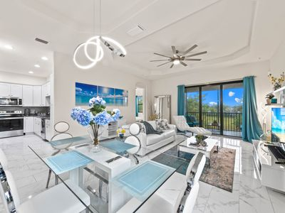 Photo for Luxury apartment in a prime location in the SW Cape Corals, south orientation, restaurants
