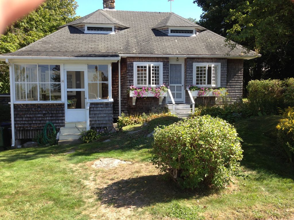Harborside Carriage House In Private Compou Vrbo