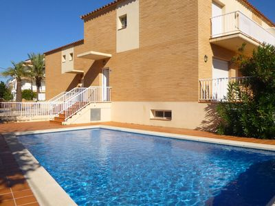 Photo for Luxurious Holiday Home in Empuriabrava with Private Pool