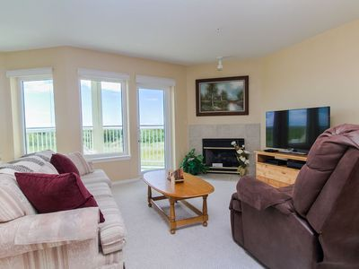 Photo for Sandy Cove - Walking distance to town, beach, & Discovery Trail