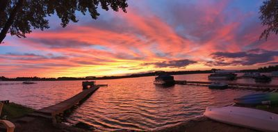 Lake House with Sandy Beach and Amazing Sunsets