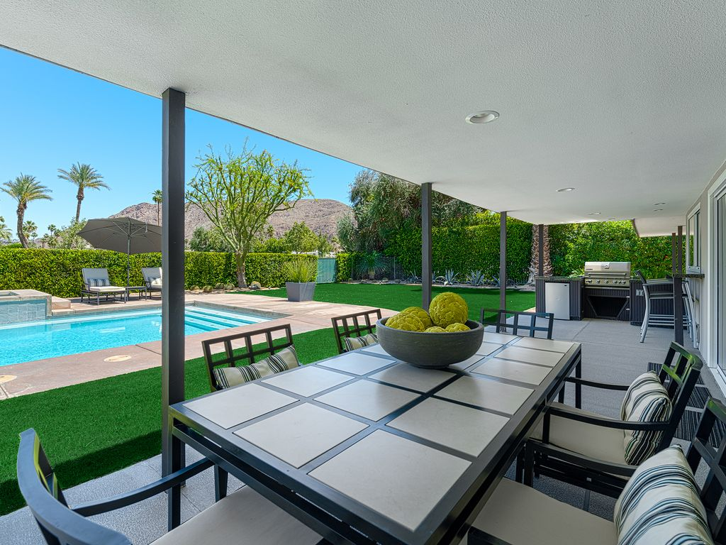 Covered Outdoor Kitchen Pool Spa Golf Course And Mountain Views Priv Office Palm Springs