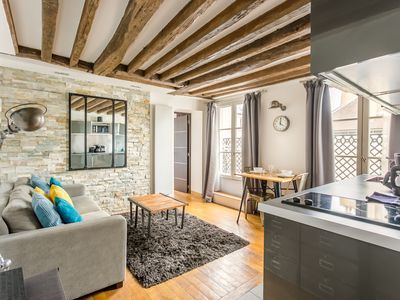 Central & Trendy Le Marais 1BR, Top Floor, KingBed, Long Balcony/ Rent-by-owner