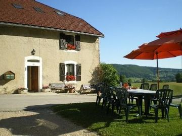 Rental renovated old farm and LABELISEE tourism and disability, quiet.