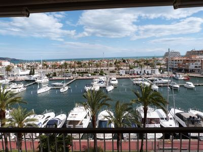 Photo for Apartment with terrace and exceptional view over marina, sea, port and mountain