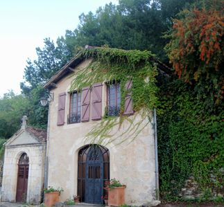Photo for Beautiful Villa with Stunning View in  Saint Cirq Lapopie