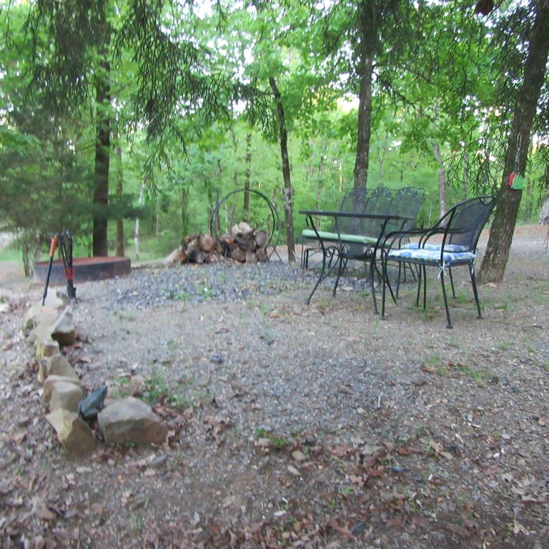 Private vacation cabin getaway for couples hot tub king for Getaway places for couples