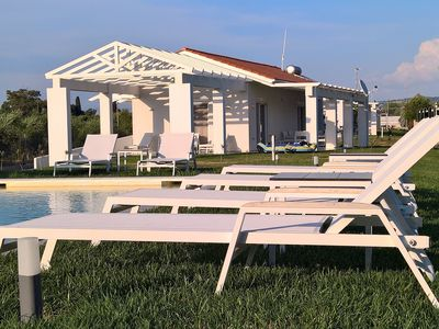 Photo for Villa direct on the long sandy beach, swimming pool, tennis court, bicycles etc.