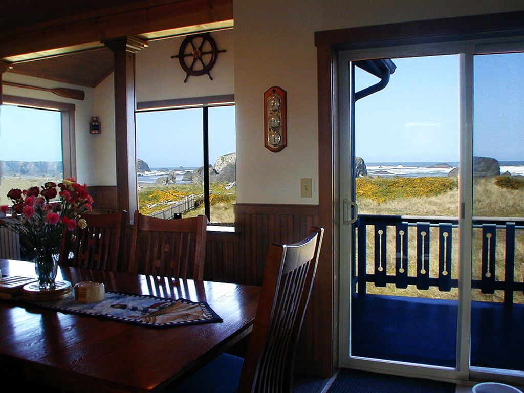 South Jetty Dining Room And Bar 2 3 Acres OceanfrontYou Are On The Beach
