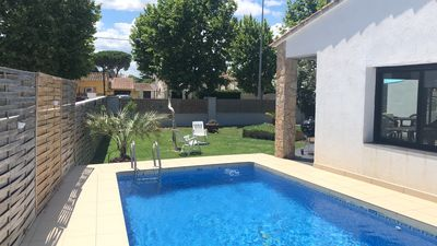 Photo for Family villa with swimming pool 8/4 private parking