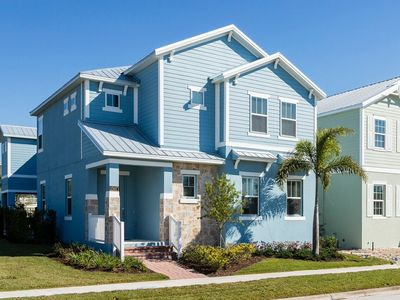 Photo for 5/5.5, Private Pool, 6mi to Disney, Modern, FREE Waterpark Access