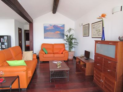 Cosy living-area with satellite TV and DVD player