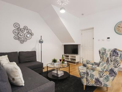 Photo for North End Road Residence II apartment in Fulham with WiFi & balcony.