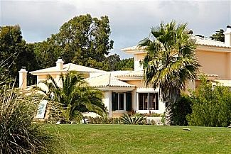 Photo for Golf Front Charming Villa With Private Pool in Quinta da Marinha, Lisbon Coast